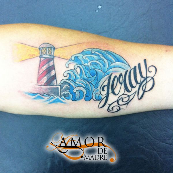 faro-olas-waves-jeray-fuerza-tattoo-tatuaje-amor-de-madre-zamora