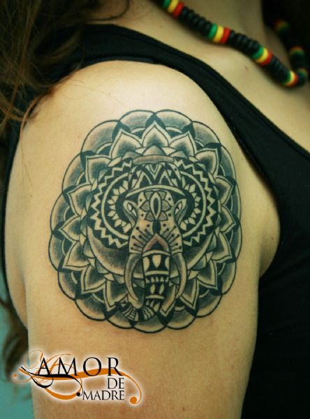 mandala-hindi-elefante-elephant-tattoo-tatuaje-amor-de-madre-zamora