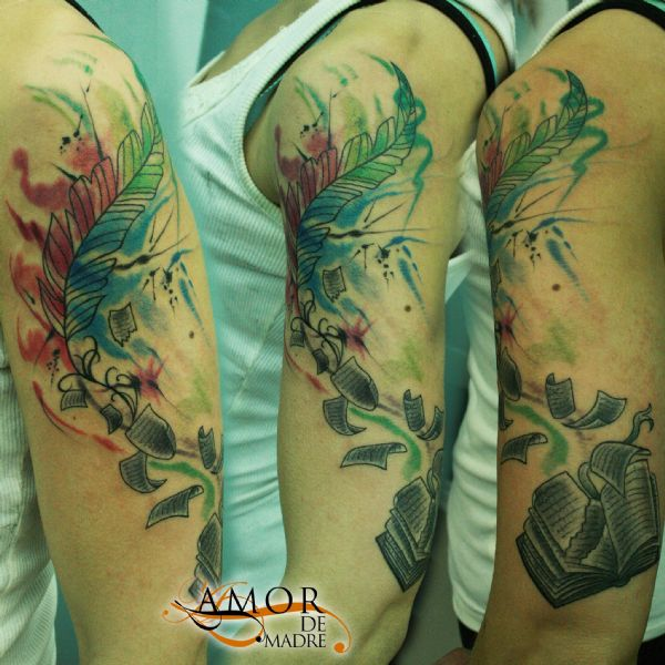 Libro-book-color-colortattoo-acuarela-estilo-style-pluma-feather-tattoo-tatuaje-amor-de-madre-zamora