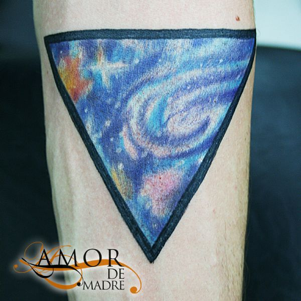 Espacio-space-color-colortattoo-creative-tattoo-tatuaje-amor-de-madre-zamora