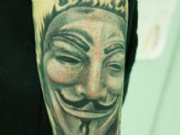 v-vendetta-anonymous-mascara-mask-tattoo-tatuaje-amor-de-madre-zamora