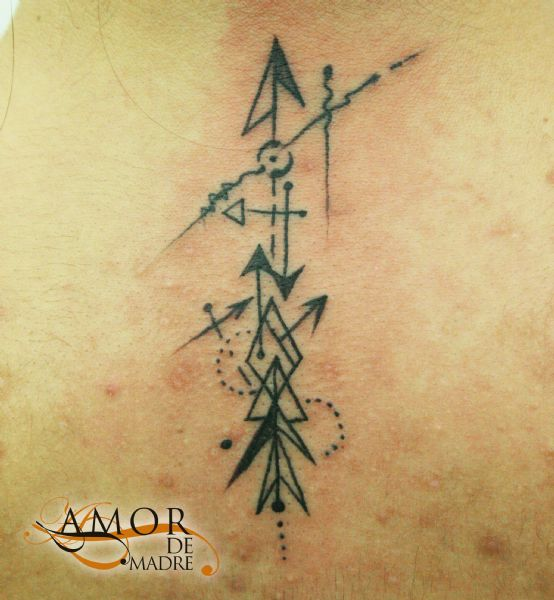 Flecha-arrow-composicion-tattoo-tatuaje-amor-de-madre-zamora